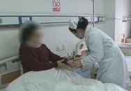 Cô dâu 32 tuổi suy sụp vì bị ung thư đại trực tràng do ngày nào cũng ăn món này