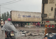 Xe chở giàn giáo va chạm xe đầu kéo, 2 người nhập viện