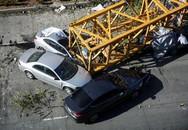 Cần cẩu rơi xuống đường tại Mỹ khiến 4 người thiệt mạng