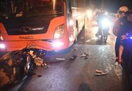 Xe máy tông trực diện vào xe khách khi đang đổ đèo, 2 người thương vong