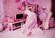 """Quý bà """"yêu màu hồng và ghét sự giả dối"""" thừa nhận chi hơn 35 tỷ chỉ để trang trí ngôi nhà theo nỗi ám ảnh của mình"""
