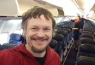 Máy bay Boeing 737 đến Italy chỉ chở đúng một hành khách