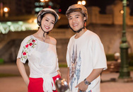 Jennifer Phạm dạo phố Sài Gòn trên xe máy