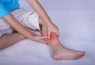Bé trai phải cắt cụt chân vì cha mẹ chủ quan với dấu hiệu con hay gặp ban đêm