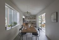 Đất vuông vắn nhưng gia chủ xây mọi phòng đều méo để bất kỳ góc nào trong nhà cũng có thể nhìn ra ngoài trời