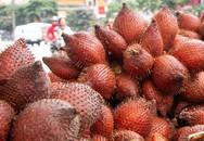 Người Hà Nội thích thú với loại quả hình bầu dục, ăn giống sầu riêng