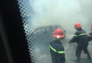 Hà Tĩnh: Chiếc xe 5 chỗ cháy trơ khung trên đường đi bảo dưỡng