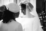Kỷ niệm 1 năm ngày cưới, vợ chồng Meghan chia sẻ loạt ảnh hậu trường chưa từng công bố trong hôn lễ với những chi tiết gây bất ngờ, không thể tưởng tượng nổi