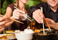 Đũa ăn dùng đến lúc gãy mới thay, sai lầm gây chết người của nhiều gia đình đến khi biết thì đã quá muộn