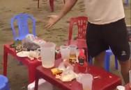 Du khách tố bị 'chặt chém' 500.000 đồng ghế ngồi ở bãi biển Thanh Hóa
