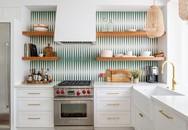Gạch ốp họa tiết khiến căn bếp trở nên cuốn hút và đầy sức sống