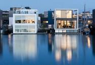 Chiêm ngưỡng cả trăm ngôi nhà xinh đẹp được xây nổi trên mặt nước thu hút khách du lịch