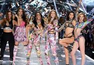 Sexy và hào nhoáng nhưng hãng nội y Victoria's Secret đang lao đao
