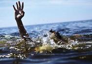 Hải Dương: Tập xe đạp, một học sinh tiểu học ngã xuống ao tử vong