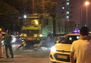 Hà Nội: 1 cô gái tử vong, 1 người khác bị thương sau khi xe máy va chạm với xe tải cùng chiều