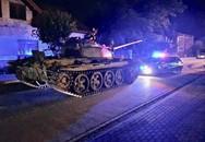 Nửa đêm say rượu, ông chú lấy xe tăng lái dạo một vòng quanh khu phố hóng gió