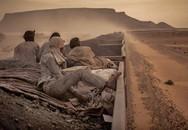 Cùng vượt sa mạc, 1 đoàn chết hết, 1 đoàn sống sót lại kiếm được tiền: Lý do rất đáng ngẫm
