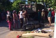 Va chạm với xe tải, mẹ tử vong, 2 con đi cấp cứu ở Quảng Trị