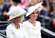 """Bà Camilla bức xúc với con dâu cả nhưng cũng đành chịu thua bởi Công nương Kate quá """"tỉnh"""""""
