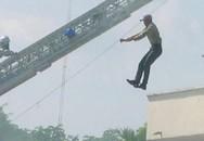 Đau lòng chồng nhảy từ tầng 3 tự tử ngay trong đám tang vợ