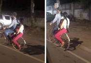 Bức ảnh cả gia đình chở nhau trên chiếc xe đạp cũ khiến dân mạng tranh luận