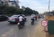 """Thu dọn bùn đất, lắp đặt hàng rào sau phản ánh """"thi công ẩu tại đường Nguyễn Khoái – Hà Nội"""""""
