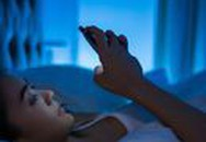Những ứng dụng bảo vệ mắt khi dùng điện thoại, máy tính vào ban đêm
