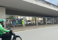 Hà Nội: Nguy hiểm chực chờ ở sân đá bóng tự phát ngay dưới chân cầu vượt Ngã Tư Sở