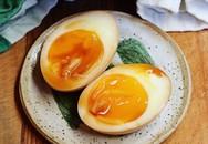 Bí ẩn trứng gà đắt gấp 20 lần trứng thường gây xôn xao khắp chợ