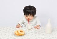 Ăn đường cùng với sữa là dại: Sai lầm kinh điển khiến con chậm lớn, khó tiêu ngộ độc thực phẩm