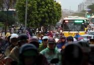 Mưa giải nhiệt sau chuỗi ngày nắng nóng khiến Hà Nội xuất hiện nhiều nơi ngập, giao thông tắc nghẽn