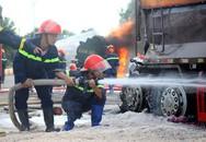 Hai ôtô cùng bốc cháy sau cú tông, hai người chết