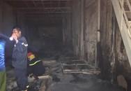 Hà Nội: Xưởng gỗ rộng hơn 300m2 bị thiêu rụi lúc nửa đêm