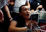 Phóng viên bị trói, đánh đập ở sân bay Hong Kong vì nhầm là 'cảnh sát chìm'