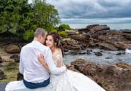 Ngất ngây Lý Thanh Thảo cùng chồng Tây chụp ảnh trên biển Phú Quốc
