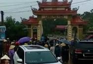 Thanh Hóa: Nhóm côn đồ xăm trổ đập phá cổng làng