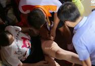 Tình trạng vết thương của nữ CĐV bị trúng pháo sáng trên sân Hàng Đẫy nghiêm trọng đến mức nào?