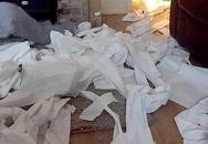 Phòng con gái ngập giấy vệ sinh bốc mùi, người mẹ bàng hoàng phát hiện sự thật đau lòng đằng sau