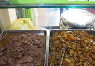 Quán cơm chay 0 đồng đắt khách giữa trưa nắng Sài Gòn