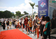 Hơn 2000 sinh viên Hà Nội không ngại nắng nôi đến tham dự Indec International Fair 2019