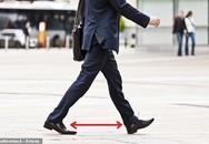 Thấy chồng bước đi kiểu này, các chị cần nhắc anh nhà tập thể dục ngay kẻo mắc rối loạn cương dương