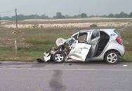 Tài xế và nam hành khách tử vong trong xe taxi sau cú đối đầu với xe tải