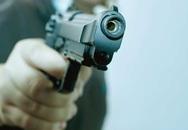 Nghi án dùng súng cướp tiền tại chợ Long Biên