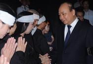 Thủ tướng viếng giáo sư Hoàng Tuỵ
