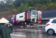 Phóng nhanh dưới trời mưa, xe khách lật trên Quốc lộ 1, nhiều người nhập viện cấp cứu