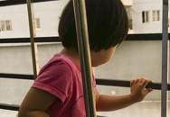 Sống chung cư có con nhỏ, đừng xem thường cửa sổ và ban công!