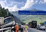 Phát hiện hỏng phanh, tài xế xe tải tông vào đuôi xe ben cùng chiều
