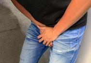 Chàng trai hốt hoảng vì bị nghi mắc bệnh tình dục, 'thủ phạm' ở ngay trong phòng tắm