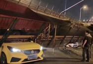Sập cầu vượt cao tốc ở Trung Quốc, nhiều ôtô bị đè bẹp