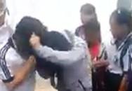 Hai nữ sinh lớp 7 đánh nhau